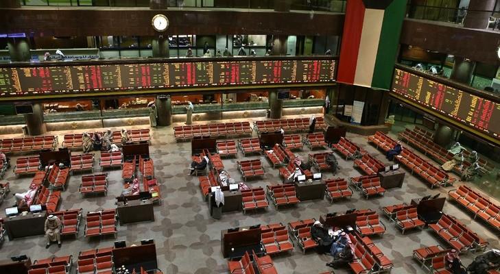 Des-traders-Bourse-Koweit-city-17-janvier-2016_1_730_486